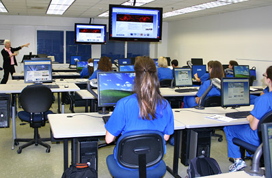 Students working in the Teaching / Computer Lab (C2-3)